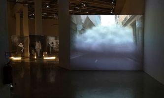Laurent Grasso, Projection, 2003-2005 - Un autre monde dans notre monde - Frac Provence-Alpes-Côte d'Azur - Plateau 1 - Photo En revenant de l'expo !
