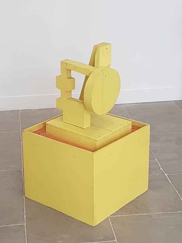 Sans titre, 1969, bois, peinture, mousse, 80 x 47 x 47 cm