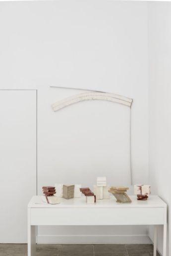 Tjeerd Alkema – « Antiquités (les) Sont toujours de fabrication moderne » à la galerie ALMA ©David Huguenin