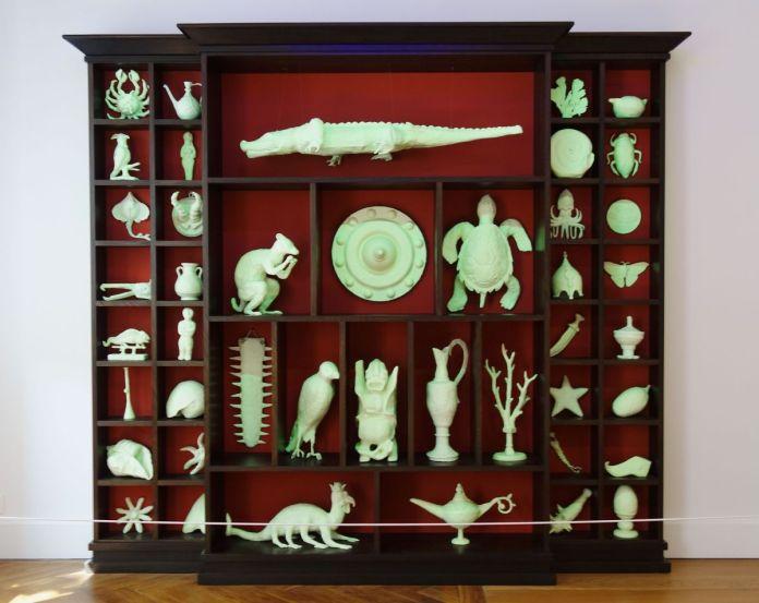 Mark Dion - The Unruly Collection, 2015 - Bêtes de scène à la Villa Datris - Cabinets de curiosité