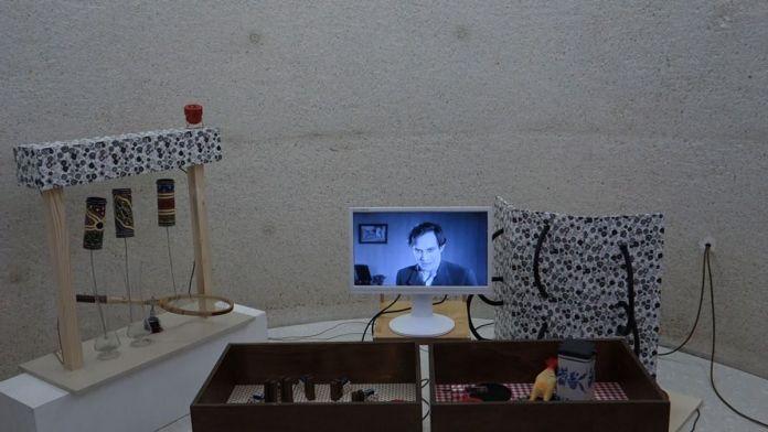 Giovanni Bertelli - DOS Perros, Prototype #1, 2019 - Viva Villa 2019 - Collection Lambert - vue de l'exposition - Photo En revenant de l'expo !