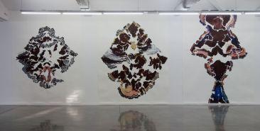 Abdelkader Benchamma - Fata Bormosa au MRAC à Sérignan - Vue de l'exposition Salle 1