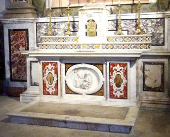 Autel de marbre de l'ancienne chapelle Deydé, Montpellier, cathédrale Saint-Pierre, chapelle Saint-Joseph