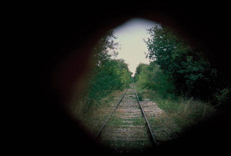 Mathias Poisson, Dans le creux de la main, Voie ferrée abandonnée, photographies argentiques, 2019 - Courtesy de l'artiste et du Centre d'Art de Châteauvert