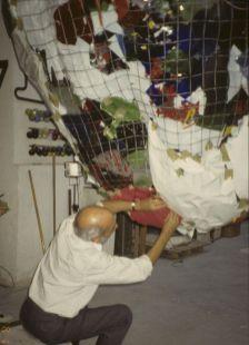 Gaetano Pesce dans l'atelier, 1994 - Photo Cirva