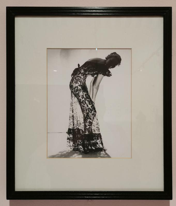Man Ray - Photographie de mode, robe en dentelle, vers 1930-1978 - Man Ray, photographe de mode - Musée Cantini - L'apogée d'un photographe de mode - Les années Bazaar