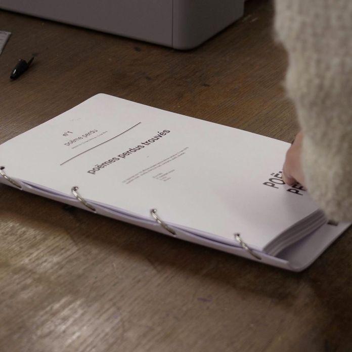 Matteo Demaria - Qu'est-ce qu'un poëme perdu, installation éditoriale - La Relève II - La compagnie, lieu de création - Photo Parallèle