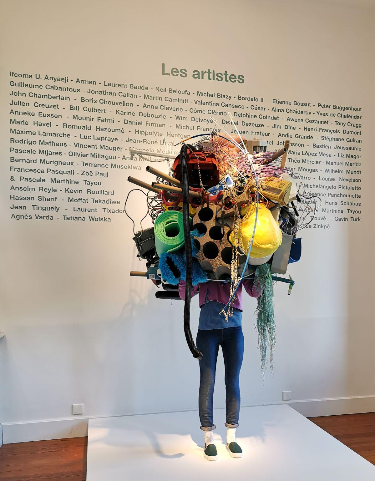 Daniel Firman, RaW, 2018 - Recyclage-Surcyclage à la Villa Datris - La tête dans les déchets