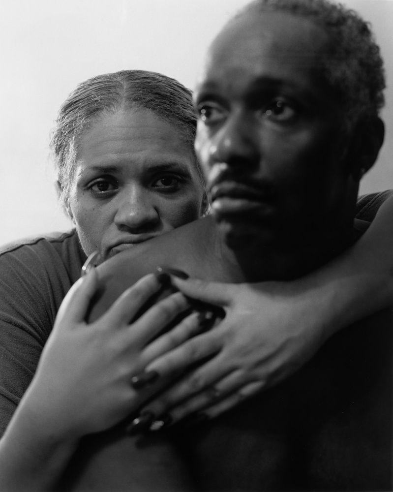Latoya Ruby Frazier - Mom holding Mr.Art, 2005 - Des Visages - Le temps de l'Autre - Carré d'Art à Nîmes - Salle 2