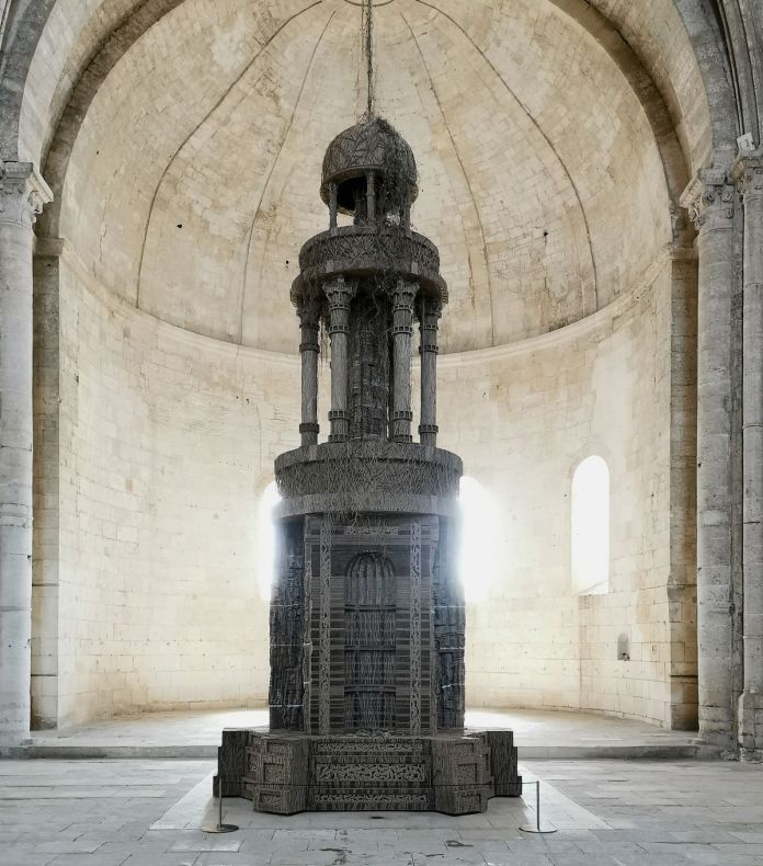 Eva Jospin – Cénotaphe à l'abbaye de Montmajour à Arles - Vue due la nef
