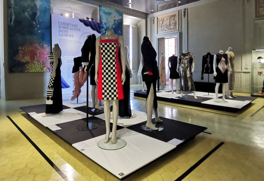 L'héritage surréaliste dans la mode au Château Borély - Grand Salon