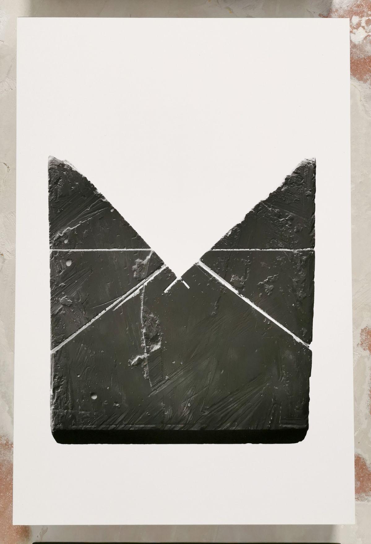 Gilles Pourtier - Black bloc # 1 à 20, 2020 - «Does the angle between two walls have a happy ending» 27 et 33 rue St Jacques - PAC 2020 - Marseille