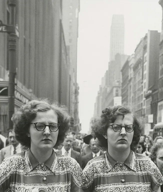 Louis Faurer - Twins, NYC 1948