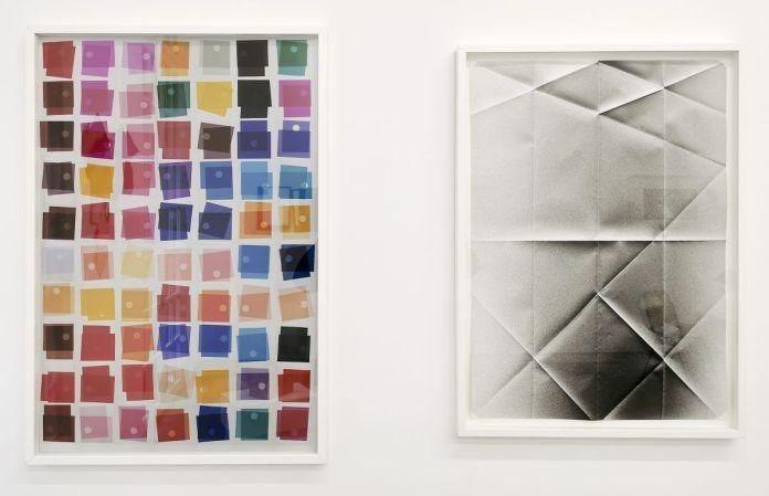 Jean-Marc Andrieu - XX Siècle et Arnaud Vasseux - Sans titre (Spray déplié), 2012 - Telle est l'étoffe dont les rêves sont faits à la Galerie ALMA