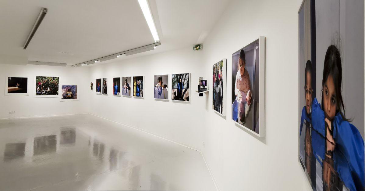 Yveline Loiseur - Conversation Pieces #3, 2021 et Sans titre, 2018-2020 - «Ensembles» au Centre Photographique Marseille