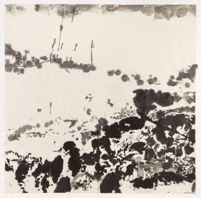 Zao Wou-Ki - Sans titre, 1982, Encre de Chine sur papier, 103 x 103 cm, Collection particulière, © Adagp, Paris, 2021, photo  Naomi Wenger