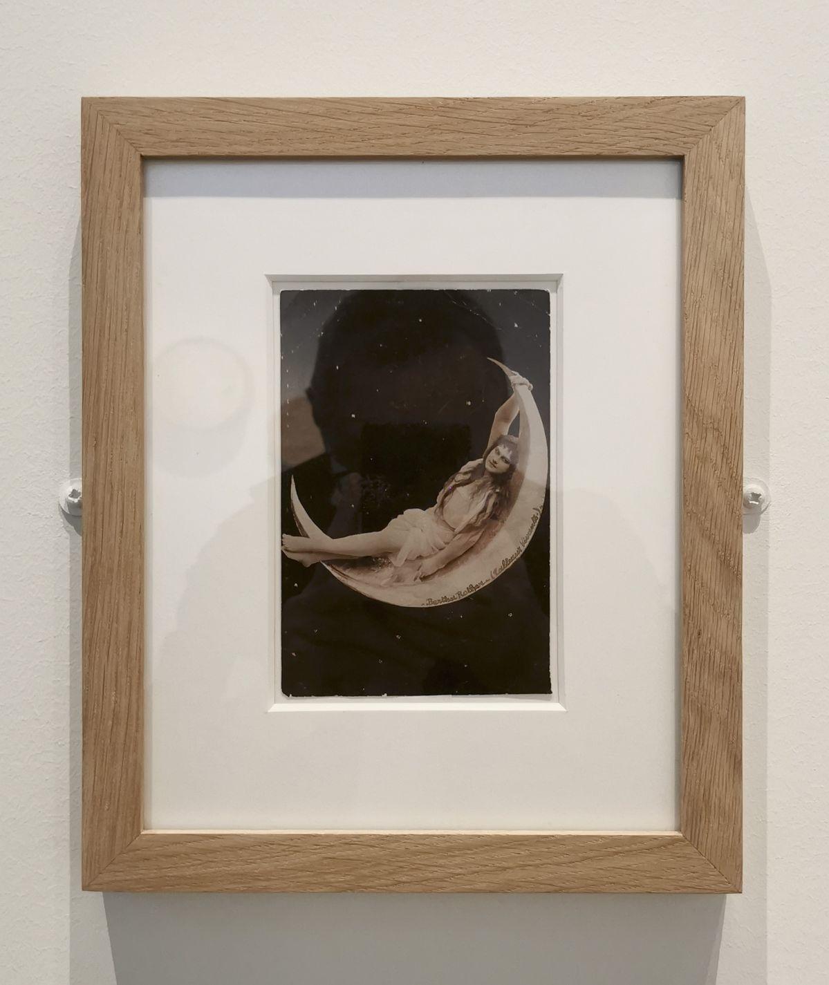 Femme sur un croissant de lune - Jeff Koons au Mucem - Œuvres de la Collection Pinault - Salle 6 - vue de l'exposition
