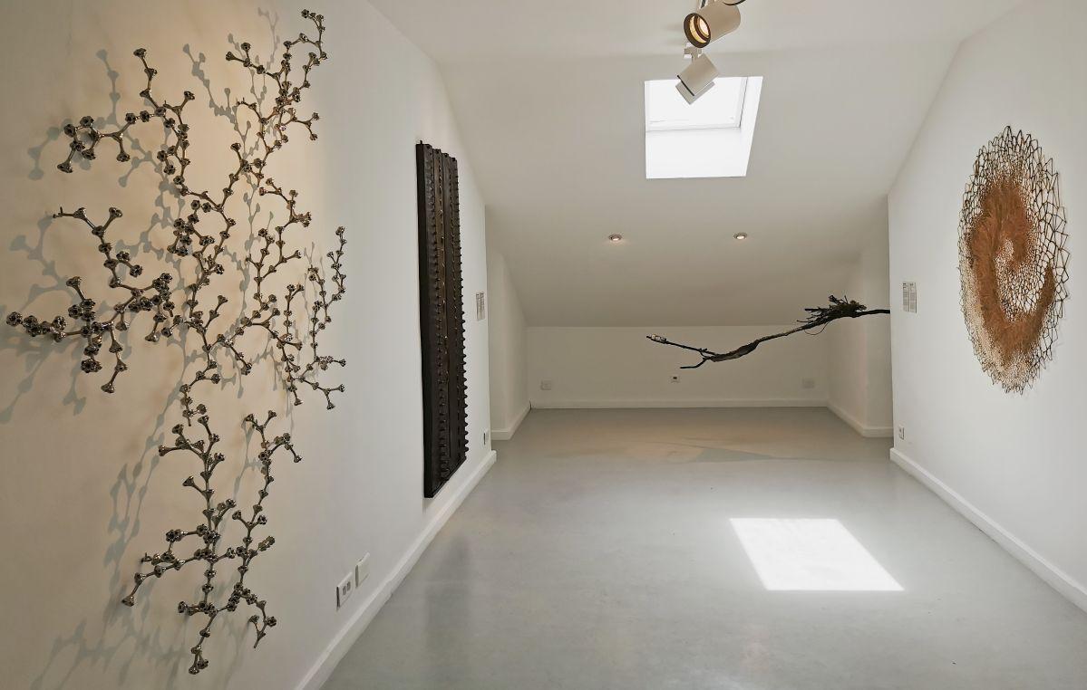 Sciences naturelles - Sculpture en fête ! Les dix ans de la Collection Villa Datris - Vue de l'exposition au rez-de-chaussée