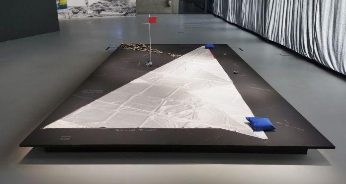 Enrique Ramírez - Sail N°6 instrumento poético de una mínima historia, 2018 - Vue de l'exposition Jardins migratoires aux Rencontres Arles 2021