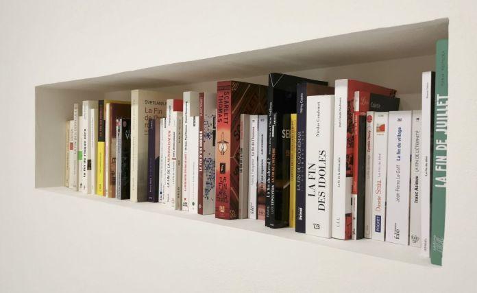 Pascal Navarro, les fins, 2021. Collection de livres en cours. Dimensions variables. Memories Still Green - Vidéochroniques