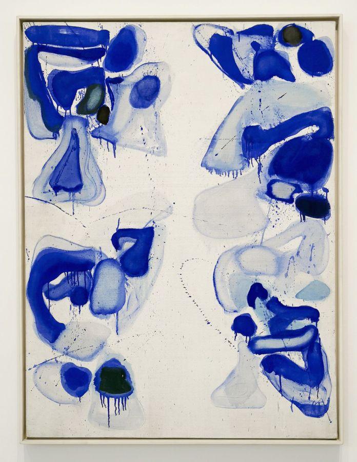 Sam Francis, Composition bleue sur fond blanc, 1960. Huile sur toile, Achat à l'artiste par l'État en 1961 Paris, Centre national des arts plastiques Dépôt à Rennes, musée des Beaux-Arts.