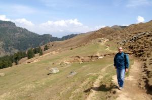 sentiero verso il Prashar Lake