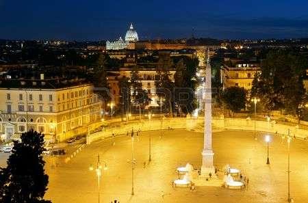 roma plaza del popolo de noche