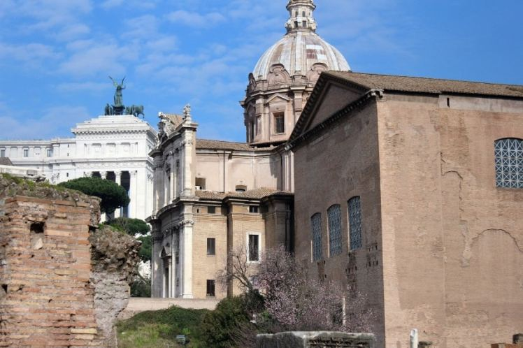 monumento a vittorio emanuele foro romano