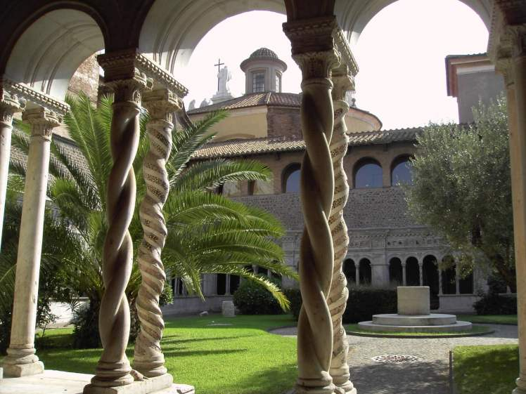 claustro san juan letran lugares románticos en Roma