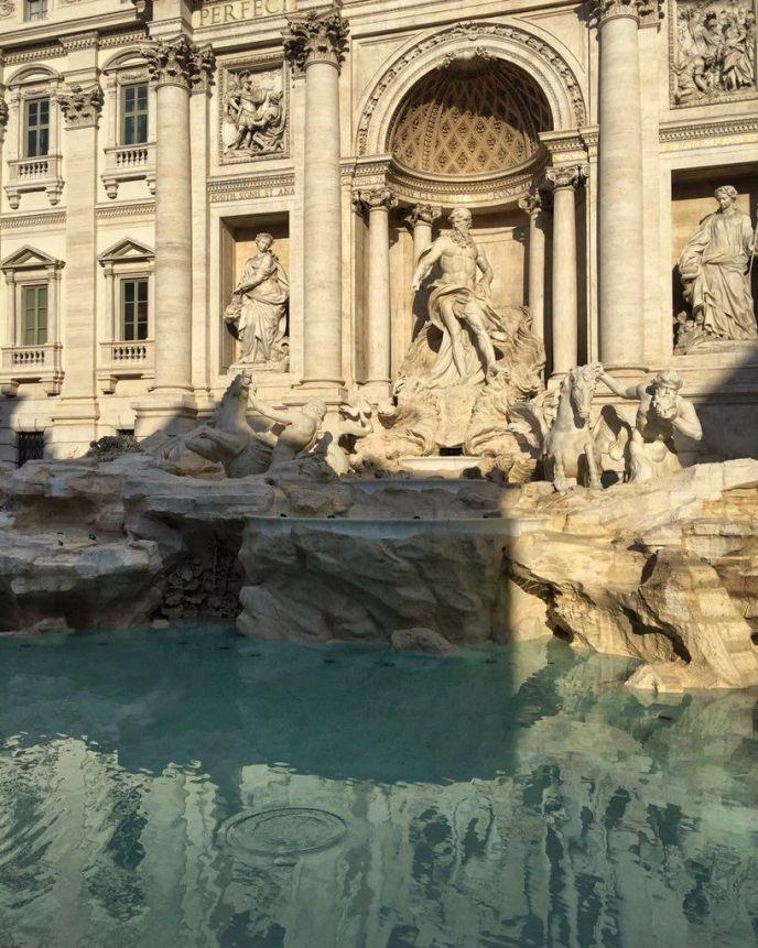 fuente trevi amanecer lugares romanticos roma