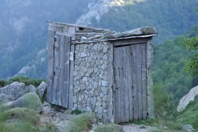 Toilettes rustiques !