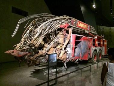 Camion de pompier après l'effondrement des deux tours