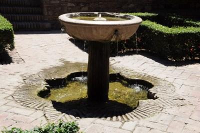 Une vasque dans le théâtre romain