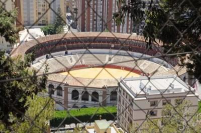 La plaza del Toros de la Malagueta derrière les barreaux