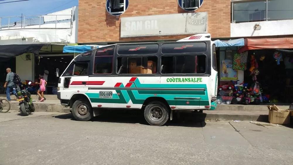 bus-colombie-attente