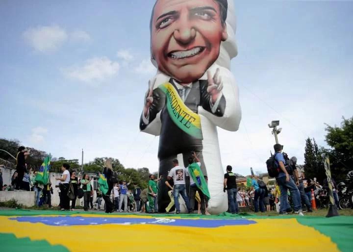 Las putas de los medios desatada a favor de Bolsonaro... Miren esto....