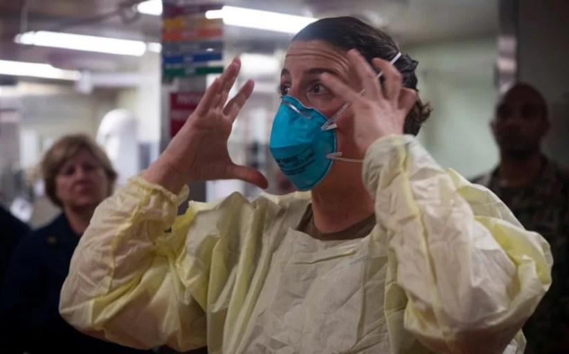 Los hospitales de EE.UU. amenazan con despedir a los médicos que denuncien la falta de material