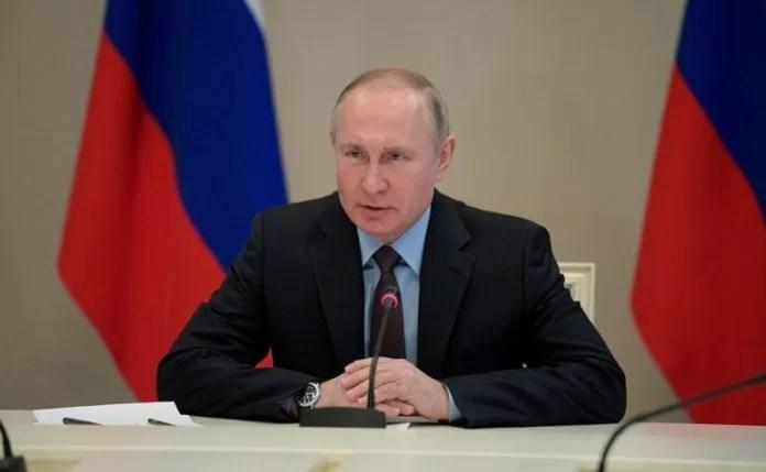 """Putin anuncia que Rusia tiene la """"primera vacuna"""" contra el COVID-19"""