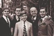 DICCIONARIO DE FARSANTES, el caso de Antonio Cisneros...