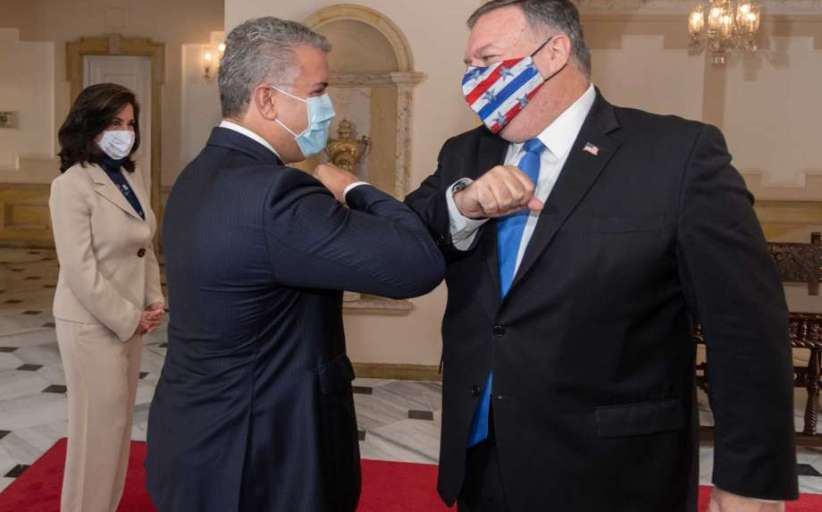 El cerdo Pompeo y el porky Duque, histéricos, arremeten contra Venezuela...