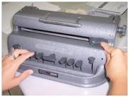 Máquina manual de braile