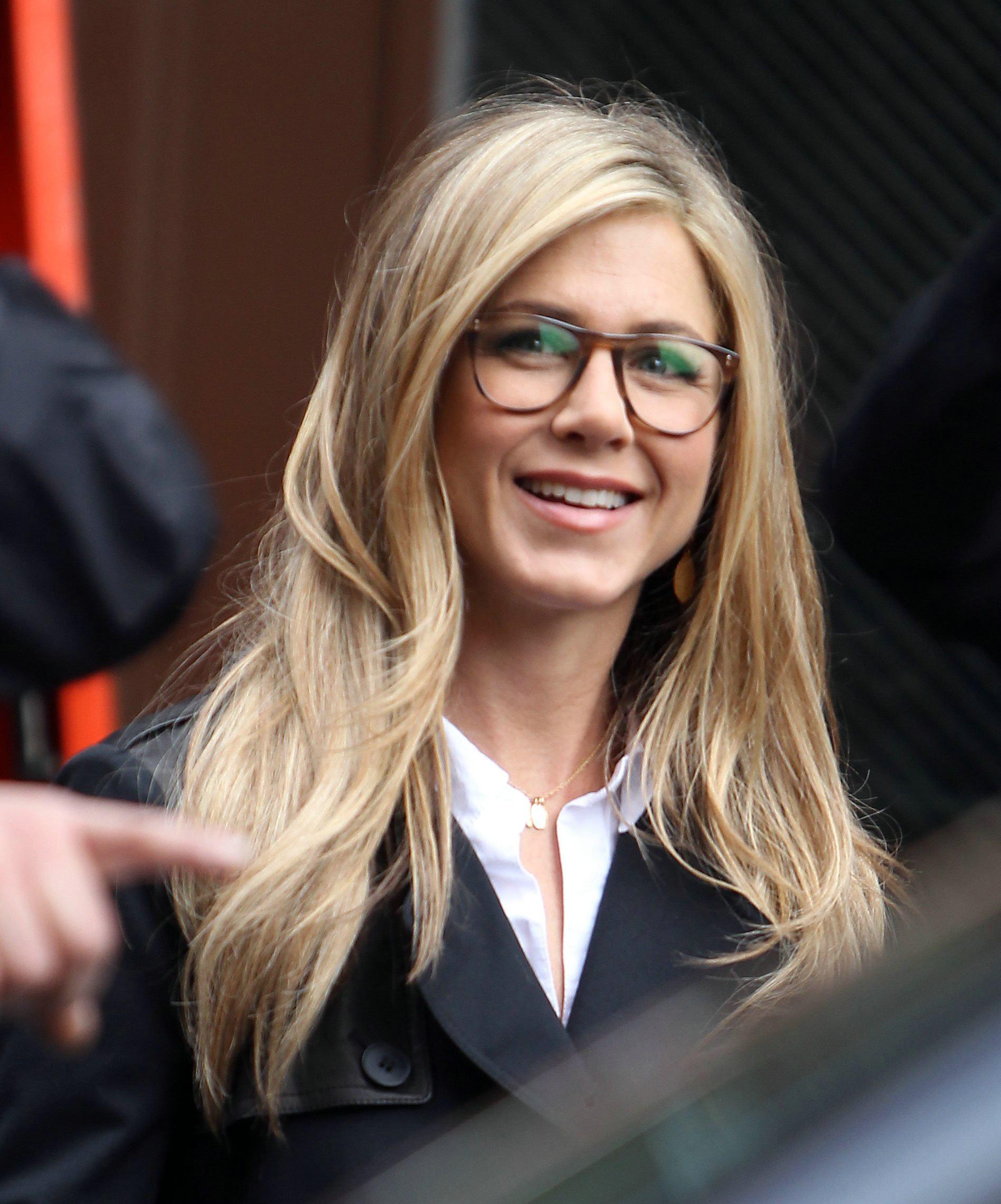 5fc14c6f0 O que eles pensam sobre – Mulheres que usam óculos – EOH