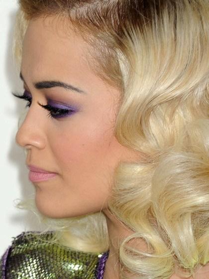 Rita-Ora-Grammys-2014-makeup-3