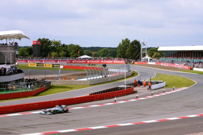 National Pit Straight