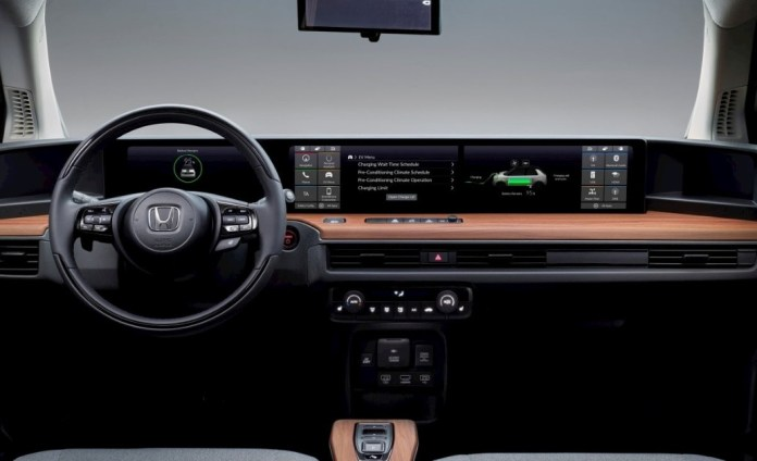 Honda E: Video shows two screens on electric car control panel