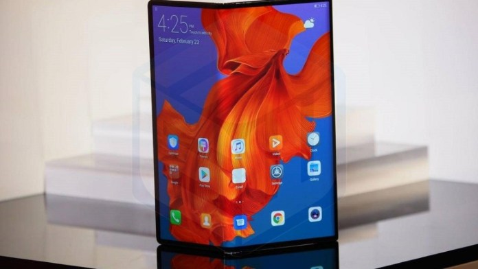 Huawei Mate X has similar problems to the first Galaxy Fold