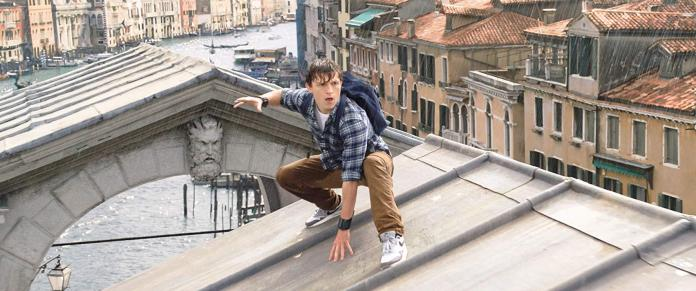 We have the first images of Spider-Man 3 ... and two titles with trolling
