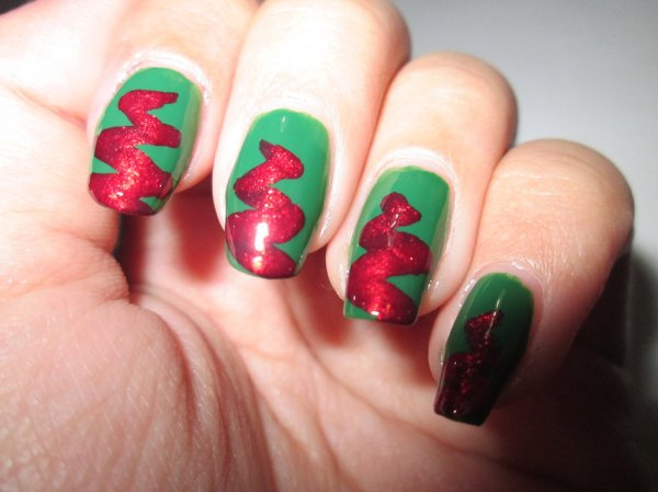 Christmas Nail Art (TUTORIAL)