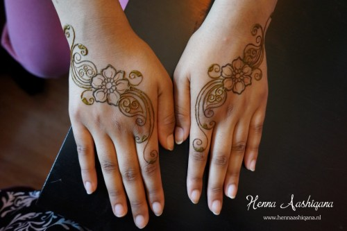 floral mehndi designs for hands 3