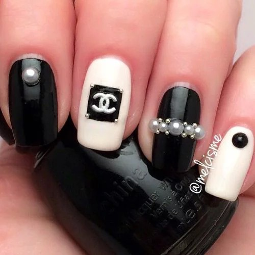 12 black and white nails